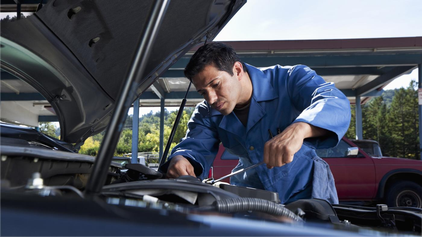 How Do You Use a VIN Number to Find Your Car's Engine Size?