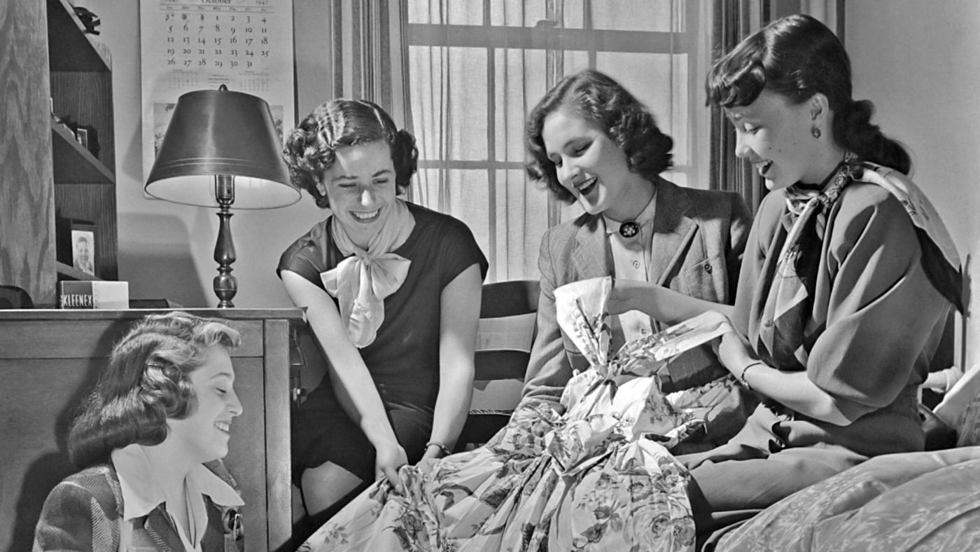 What Did Girls Wear in the 1940s?