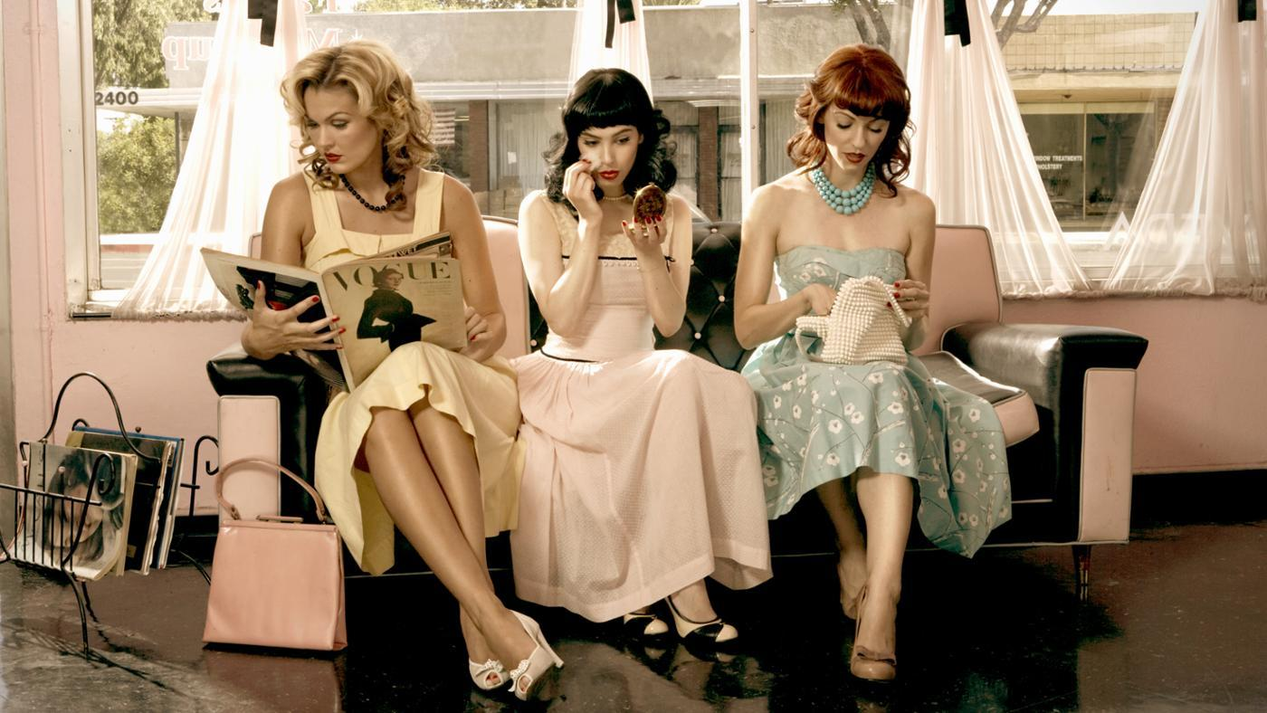 Where Can You Buy 1950s-Style Women's Clothes?