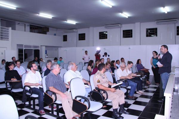 Representantes de entidades e sociedade civil participaram da reunião.