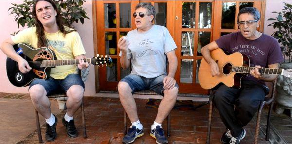 David e Gilmar gravam homenagem com Anderson Martins (Foto: Gilmar França)