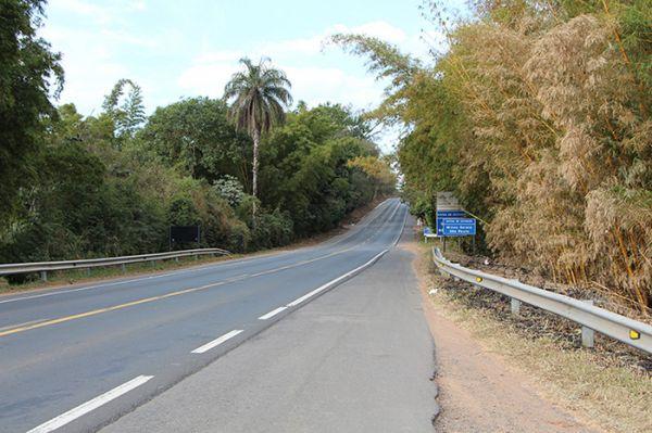 Rodovia MG-455, Km 42,5, próximo à divida com o Estado de SP