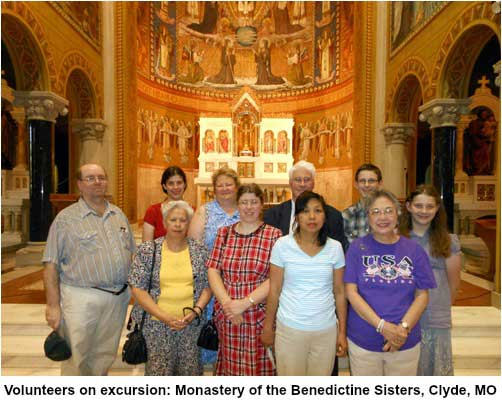 Volunteers on excursion at Monastery of Benedictine Sisters