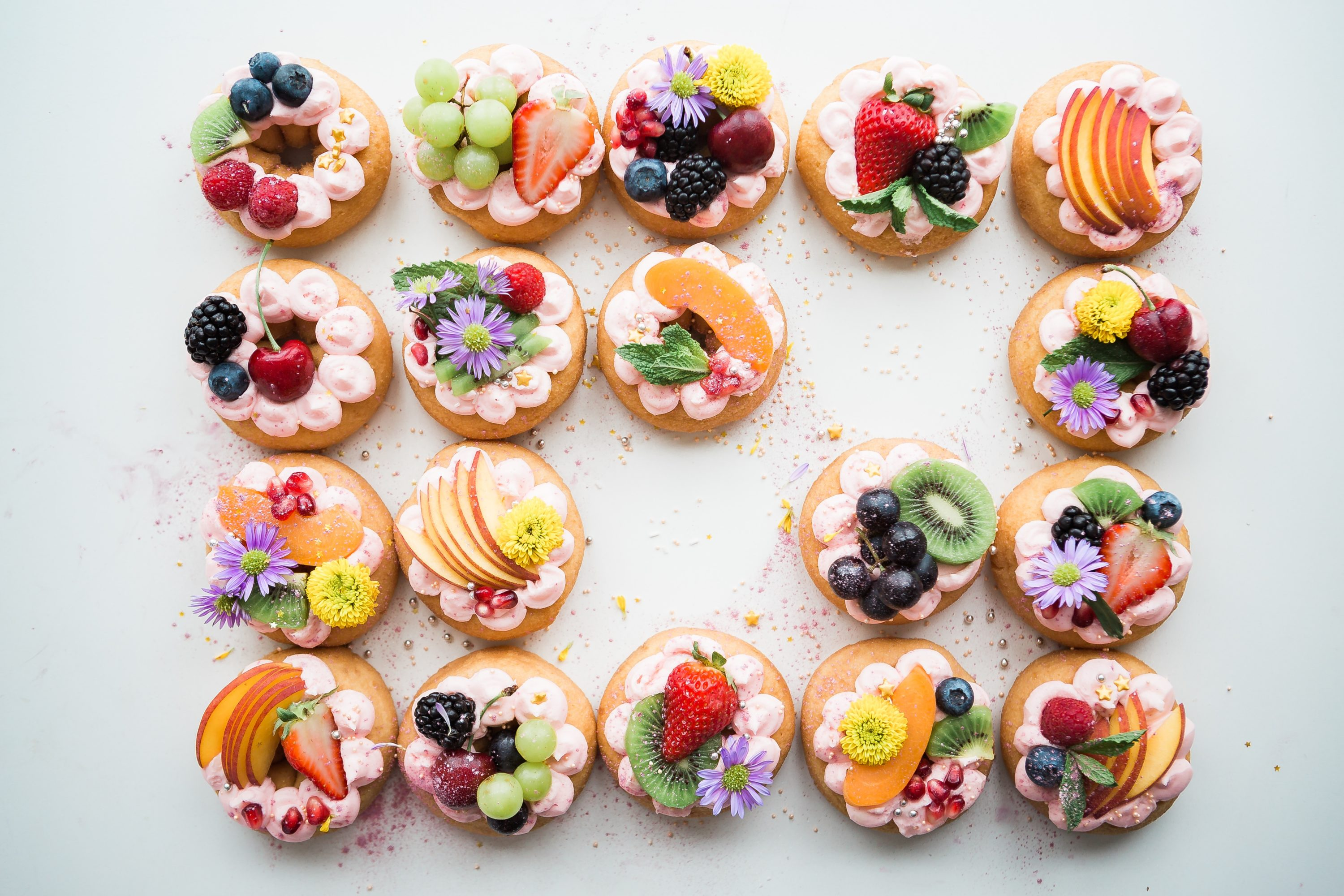 Delicious finger food crackers