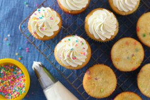 Cupcake Basics: Whipped Vanilla Buttercream