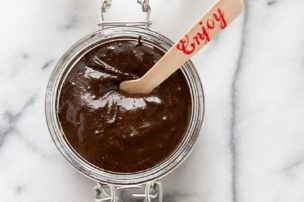 Chocolate Hazelnut Spread {DIY Nutella}