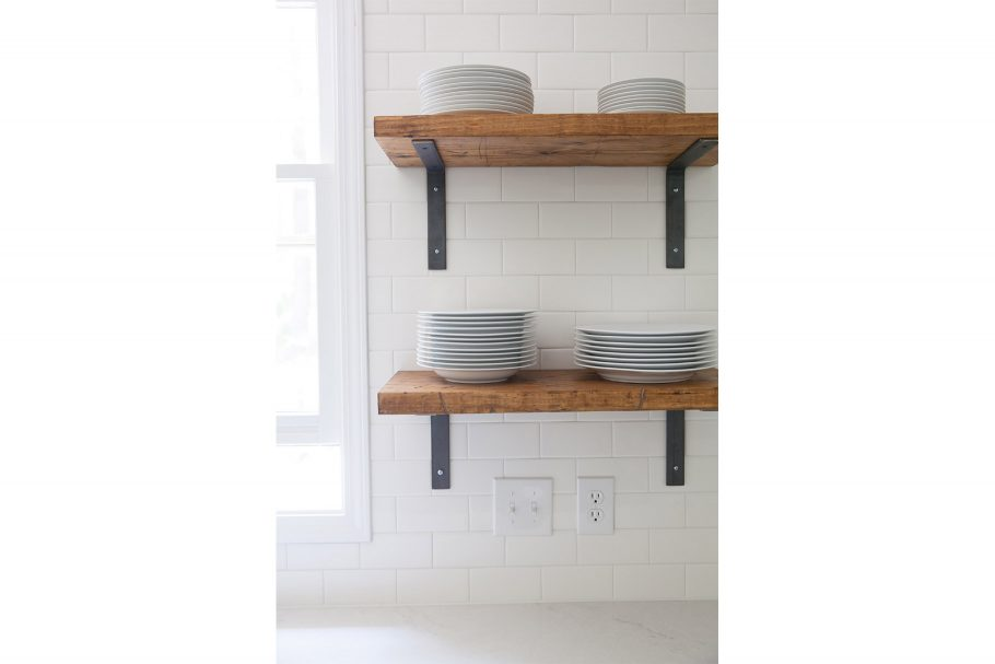 Subway Tile + Simple Shelf Brackets