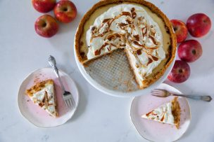 Caramel Apple Cheescake Pie
