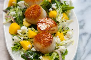 Mango Habanero Salad with Seared Scallops