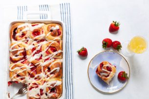 Strawberry Swirl Buns