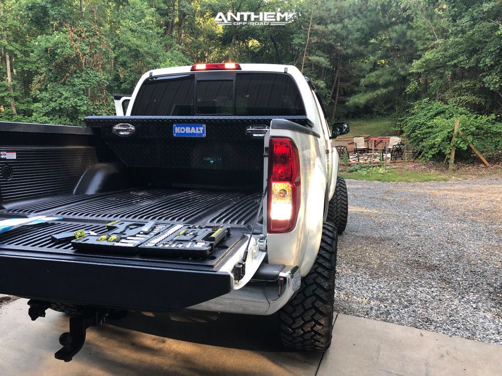 3 2014 Frontier Nissan Rough Country Suspension Lift 6in Anthem Gunner Machined Accents