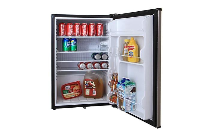 Blaze-4.6-fridge-3