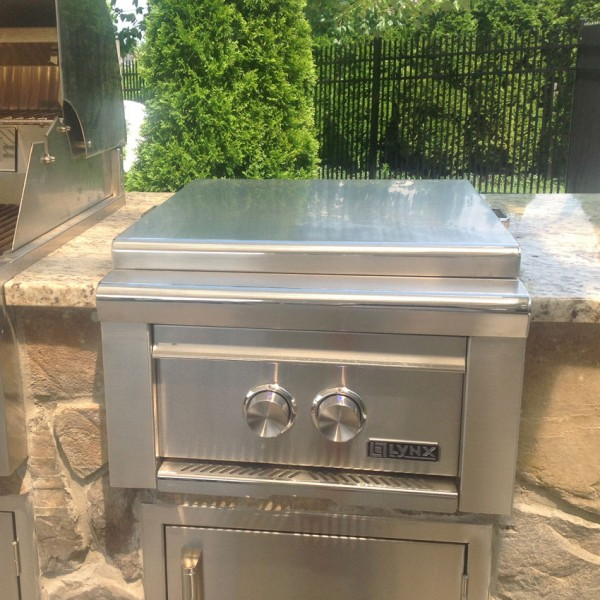 "Outdoor Kitchen Cost Ultimate Pricing Guide: Lynx 19"" Professional Built-In Power Burner"