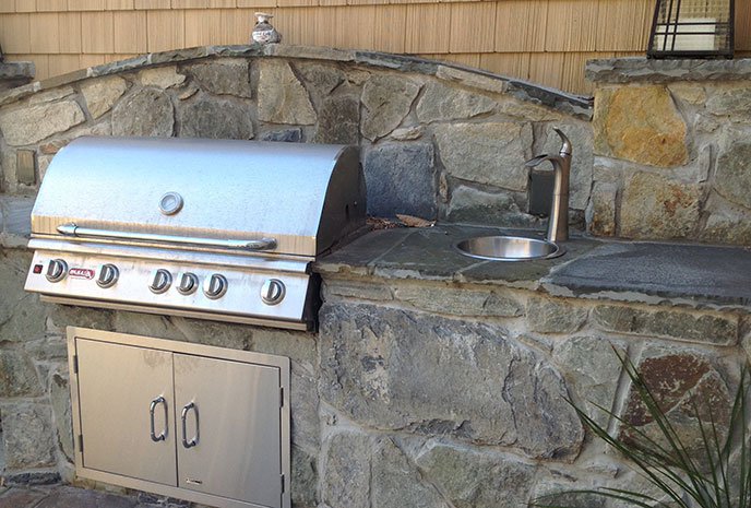 Bull Brahma Grill with non-combustible backsplash