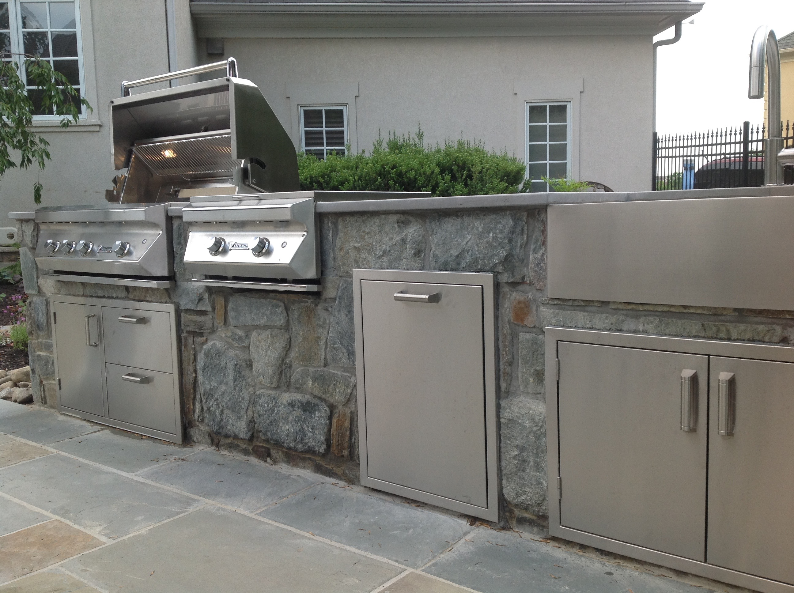 Stone outdoor Kitchen with Twin Eagles Grill & Power Burner