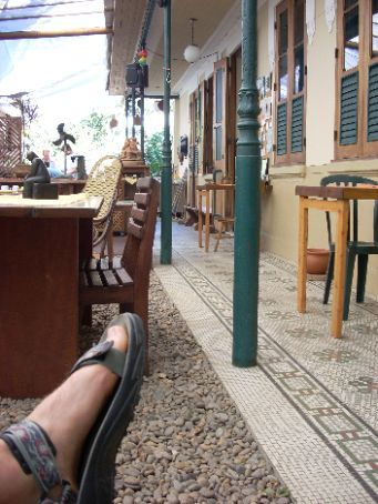 ... So it is time to move on ... PLAY IS WAITING ... My foot are getting ready for some action ... LINGUA PORTUGUESE here I come ... I am off for some larning by doing action time with local family ...  saying hello to beautifull Casa Aurea.