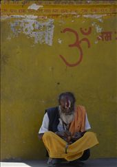 Holy man meditating at  Pashupatinath Temple in Kathmandu: by abbydk, Views[250]