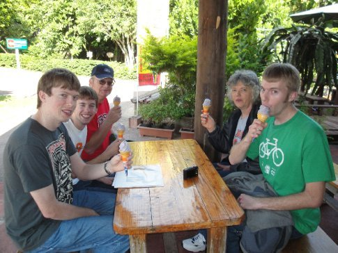 Everyone thoroughly enjoying their beni-imo ice cream.  There were talks at our table of trying to import it.  :)