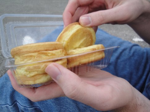 We hadn't seen this festival food before.  Thick pancakes with a vanilla pudding-like filling.  Very yummy!