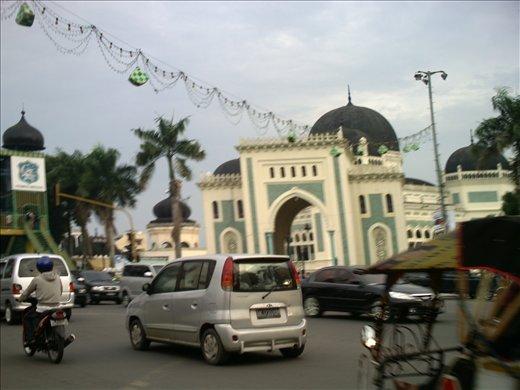 Mesjid Raya, Medan, Sumatra, Indonesia.