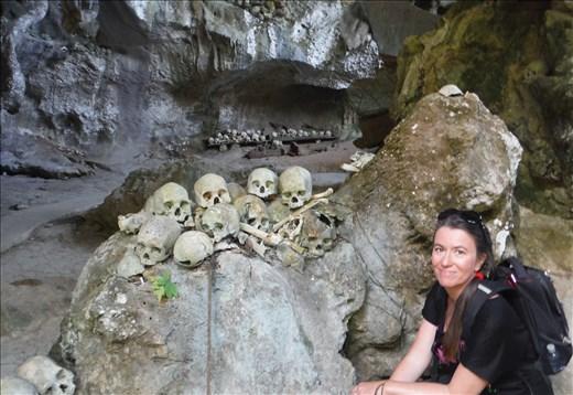Tana Toraja B skulls