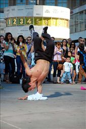 A street dancer in Alexanderplatz in Berlin, Germany: by alex_mou_san, Views[244]