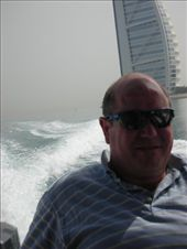 Moi, with the Burj al Arab in the background: by alistair, Views[406]