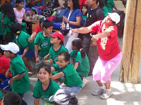 Chi chi wa wa wa Spanish fun camp song with great motions to go along