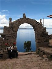 One of many arches along the path back to the port on the other side of Taquille.: by alleen, Views[108]