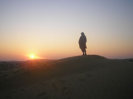 5am sunrise on the Thar desert. Absorbing the sun.