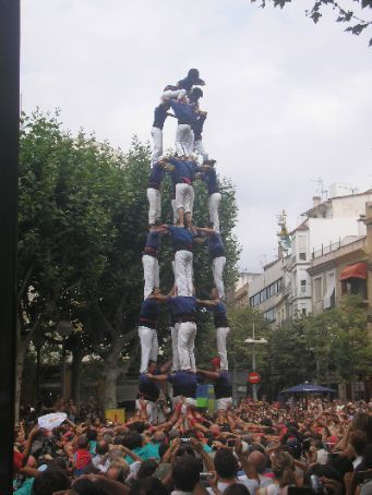 Castellers - those crazy catalans climbing on top of each other