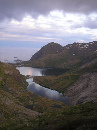 Hiking in the middle of the night! Lofoten