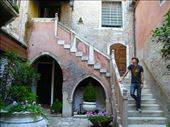 We found ourselves again... in a 14th century palazzo: by alphabetpony, Views[208]