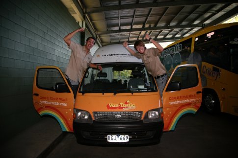 Adam, Hamish & Geoff the van at Australia zoo