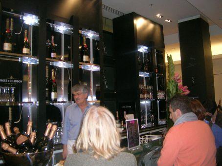 champagne bar at galleries lafayette - my dreammmmmm :D