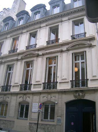 zola (authors) house in montmatrte