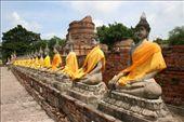 Seated Buddhas in Ayuthaya: by andyandsam, Views[231]