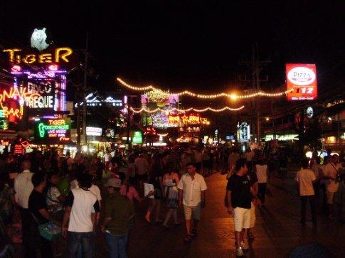 la calle de garitos en Pa Tong