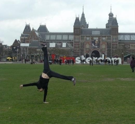 Amsterdam - Cartwheeling at the Rijksmuseum