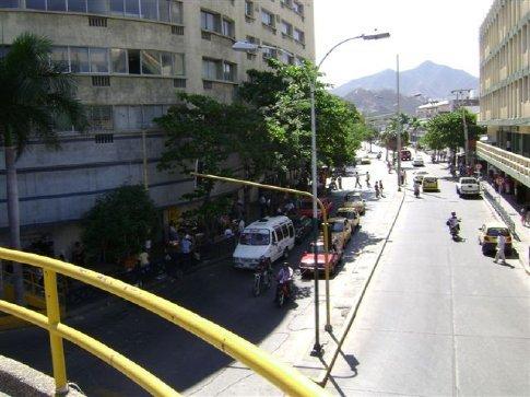 Overhead crosswalk, Santa Marta, Colombia