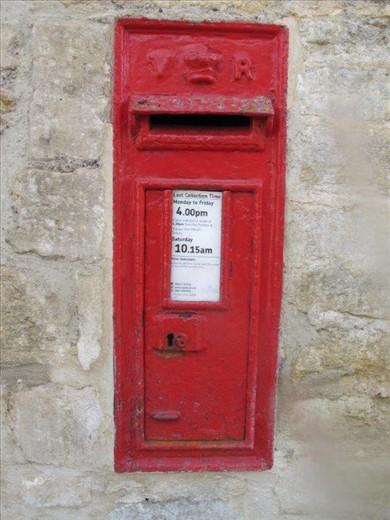 Queen Victoria mailbox