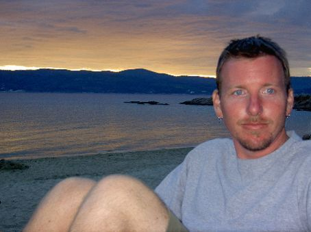 Relaxing before the sunset at Banana Beach