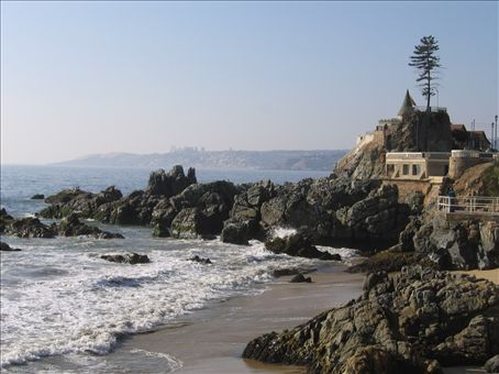 There was quite a weird castle at Vina Del Mar - the explanation about it was in Spanish so we still think it's weird.