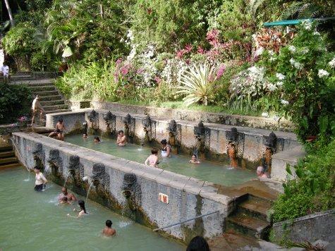Alle terme di Air Panas Banjar