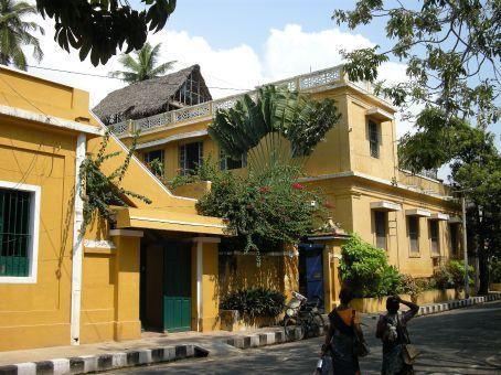 per le vie di Pondicherry