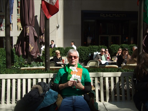 Ken pretending to be Irish... under the Australian flag at Rockefeller centre