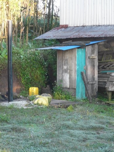 Da wo's noch keine Sanitaere braucht... unser Bathroom in Chichila.