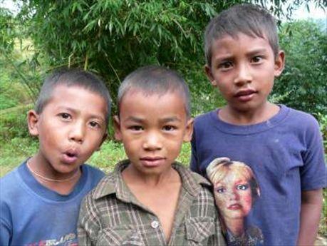 Kinder in Pati Bangyjang.