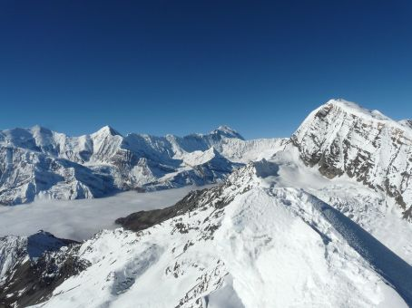 View of Chulu East and Annapurna I in the background.