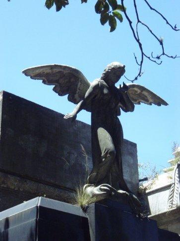 Angel in Recoletta cementario